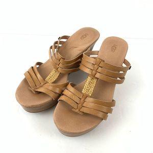 ☮️ Ugg Mattie sandal tan slip on wedge shoe 8